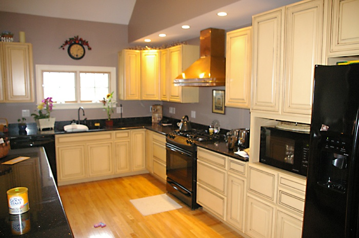Semi custom kitchen cabinets colony home improvement for Semi custom kitchen cabinets