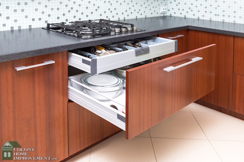 Organize your kitchen with kitchen remodeling.